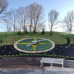 Kansas City planted floral clock installation