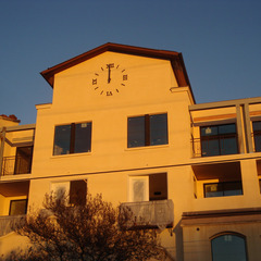 Assisted living appartments surface mounted clock numbers, Resida CA