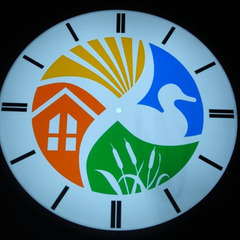 Los Banos CA city hall illuminated canister clock