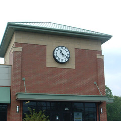 Shorewood IL strip mall clock
