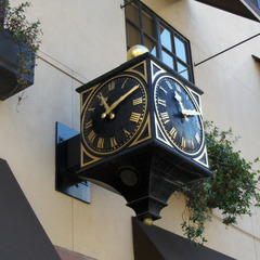 Pasadina CA Three sided street clock with raised gold leaf and digital bell system