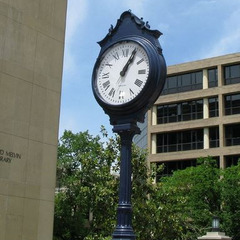 University clock repair, George Washington University street clock, Washington DC